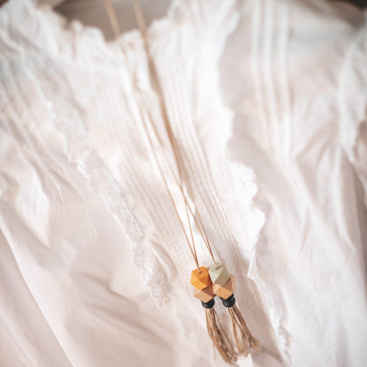 Collar lactancia mordedor silicona BeMummy Long Fringe Verde Bambú